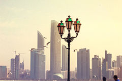 Ajman Corniche latarnia uliczna DUBAJ, UAE na 26 2017 CZERWU Zdjęcia Royalty Free