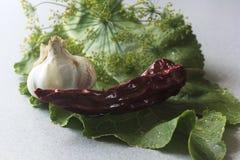 Ajo, aislado, rojo, blanco, comida, fresca, pimienta, perejil, especias, verde, vegetal, superiores, fondo, visión, orgánica, vit foto de archivo