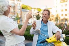 Ajouter à rire de crème glacée  Photos libres de droits