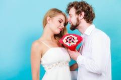 Ajouter affectueux aux fleurs de groupe de sucrerie Amour Images stock