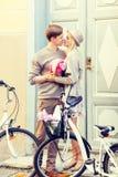Ajouter aux bicyclettes dans la ville Images libres de droits