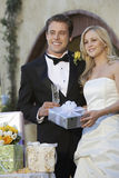 Ajouter aux cadeaux de mariage Photographie stock libre de droits