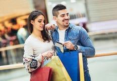 Ajouter aux paniers et à la carte de crédit Photos stock
