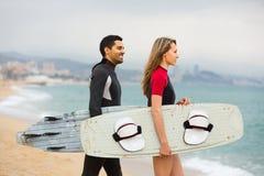 Ajouter aux panneaux de ressac sur la plage Photographie stock