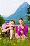 Ajouter aux questions dans le pré alpin Photographie stock