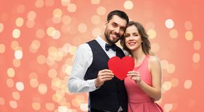 Ajouter heureux au coeur rouge le jour de valentines photo stock