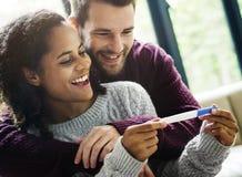 Ajouter heureux aux actualités de grossesse Photo libre de droits