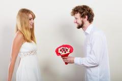 Ajouter heureux aux fleurs de groupe de sucrerie Amour Image stock