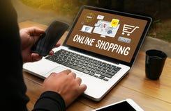 Ajoutez au panier les achats en ligne de paiement d'ordre de magasin de boutique en ligne d'achat photographie stock libre de droits