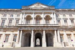 Ajuda den nationella slotten av Lissabon, Portugal. fotografering för bildbyråer