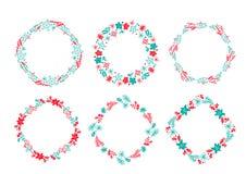 Ajustado da grinalda tirada do Natal do vetor mão escandinava elementos florais vermelhos e azuis do projeto do inverno isolados  ilustração stock