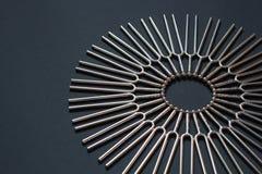 Ajustando - teste padrão em um fundo preto, colocação de canto esquerda do círculo da forquilha em parte fotografia de stock