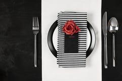 Ajuste blanco y negro de la tabla Foto de archivo