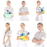 Ajuste com a camareira em fontes do uniforme e de limpeza imagem de stock