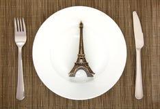 Ajuste com torre Eiffel Foto de Stock Royalty Free