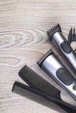 Ajuste com tosquiadeira e pente de cabelo Imagem de Stock