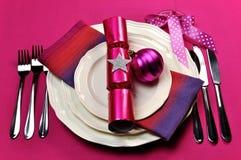Ajuste cor-de-rosa fúcsia da tabela dos doces Imagens de Stock Royalty Free