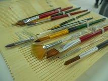 Ajuste da escova e do lápis de pintura fotos de stock