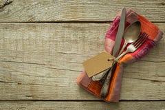 Ajuste da tabela da ação de graças no fundo de madeira rústico Foto de Stock Royalty Free