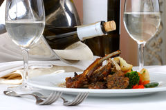 Ajuste da tabela de banquete, carne Imagens de Stock Royalty Free