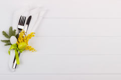 Ajuste da tabela de jantar da Páscoa Fotografia de Stock Royalty Free