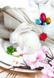 Ajuste da tabela do coelho de Easter imagens de stock