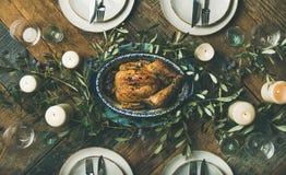 Ajuste da tabela do feriado para o frango assado do partido, do recolhimento ou da celebração Imagem de Stock