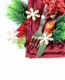Ajuste da tabela do Natal com decorações festivas Imagem de Stock