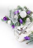 Ajuste da tabela do Natal, em tons roxos Imagem de Stock Royalty Free