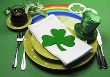 Ajuste da tabela do partido do dia do St Patricks - horizontal Imagem de Stock Royalty Free
