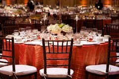 Ajuste da tabela em um copo de água luxuoso Fotografia de Stock Royalty Free