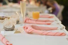 Ajuste da tabela no evento ou no casamento extravagante Fotografia de Stock Royalty Free