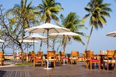 Ajuste da tabela no restaurante da praia Imagem de Stock Royalty Free