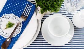 Ajuste da tabela para o café da manhã imagens de stock royalty free