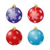 Ajuste das bolas do Natal vermelho e azul com flocos de neve Isolado no fundo branco Vetor ilustração royalty free