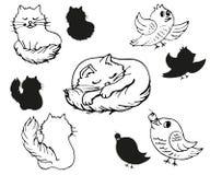Ajuste das silhuetas do gato e de pássaros macios ilustração stock