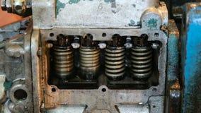 Ajuste das válvulas de injetores do sistema de combustível diesel, close-up video estoque
