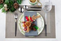 Ajuste de la Navidad y de la tabla del día de fiesta del Año Nuevo Fotografía de archivo