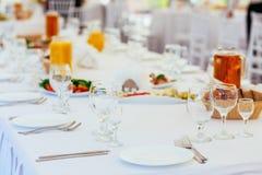 Ajuste de la tabla de comida fría Foto de archivo libre de regalías