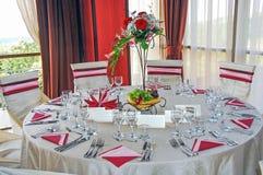 Ajuste de la tabla de la boda, decoración Fotos de archivo