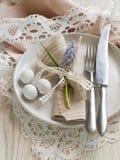 Ajuste de la tabla de Pascua Imagenes de archivo