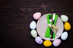 Ajuste de la tabla de Pascua Imágenes de archivo libres de regalías