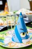 Ajuste de la tabla del cumpleaños del niño Imágenes de archivo libres de regalías