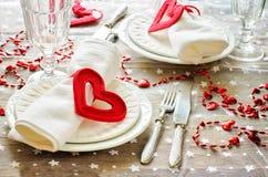 Ajuste de la tabla del día de tarjeta del día de San Valentín Foto de archivo