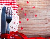 Ajuste de la tabla del día de tarjeta del día de San Valentín Imagen de archivo libre de regalías