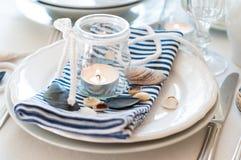 Ajuste de la tabla en estilo marítimo Foto de archivo