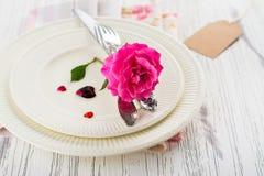 Ajuste de la tabla de las tarjetas del día de San Valentín Foto de archivo libre de regalías