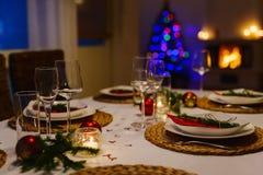 Ajuste de la tabla para la fiesta de Navidad Fotografía de archivo libre de regalías