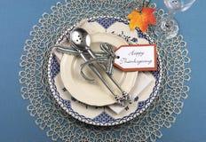 Ajuste de lugar da tabela de jantar da ação de graças do vintage Fotografia de Stock