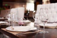 Ajuste de lugar em um restaurante Fotografia de Stock Royalty Free